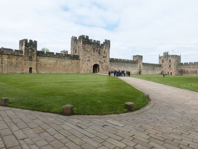Alnwick Castle excursions